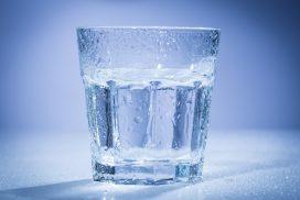 ดื่มน้ำวันละ 8 แก้ว เสี่ยงอาการสมองบวม เรื่องที่หลายคนไม่รู้