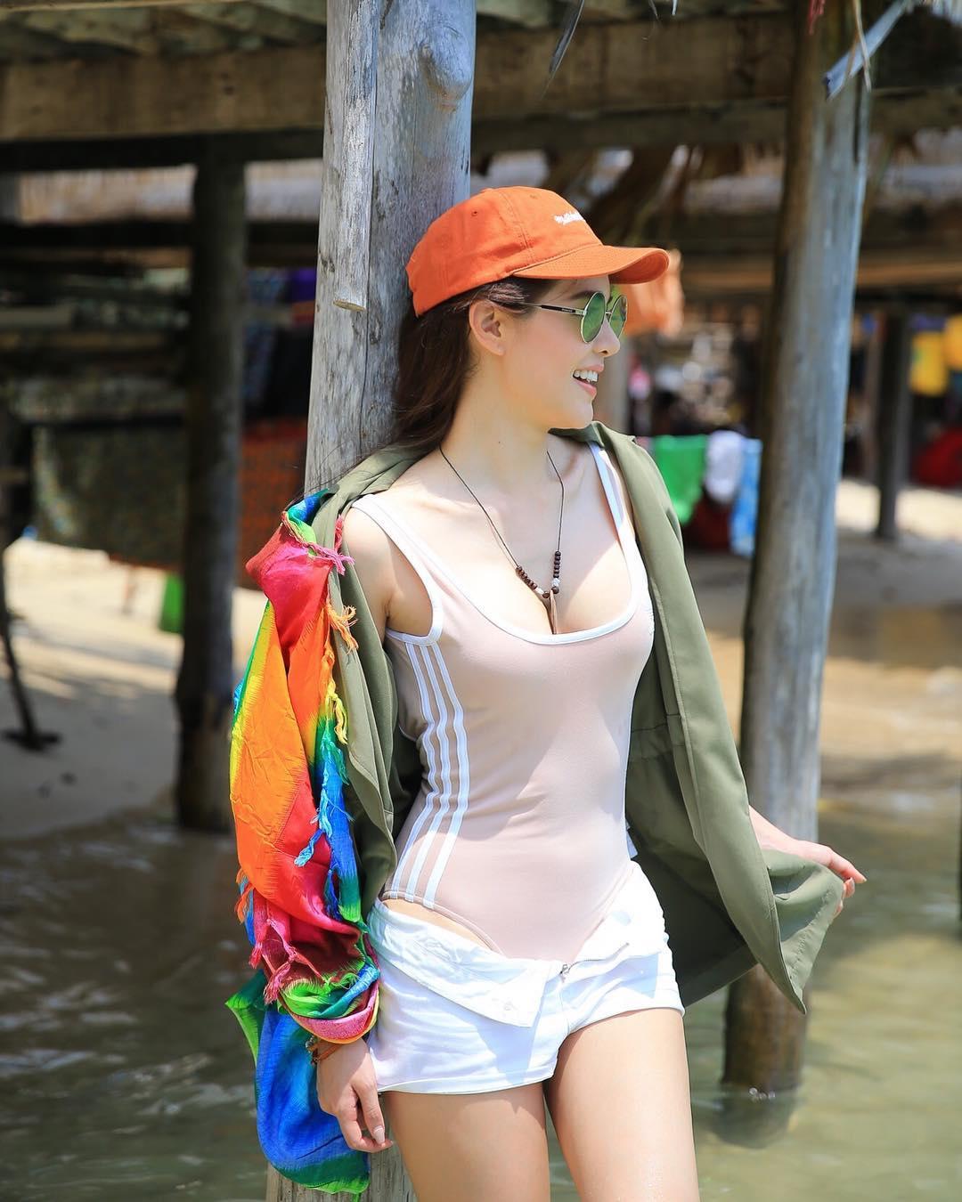"""เรียบแต่โก้ """"เกรซ กาญเกล้า"""" เที่ยววิถีไทยที่หมู่เกาะสุรินทร์ (รูป 13/13)"""