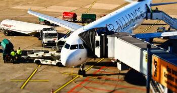 กพท. ห้ามบินเข้าไทย