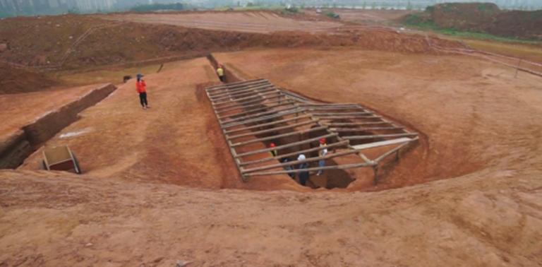 หลุมศพโบราณ กว่า 6,000 หลุม