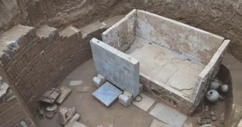 chinese-graveyard-1400-yearsปก