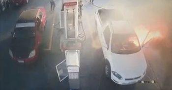 ไฟลุกท่วมรถตู้